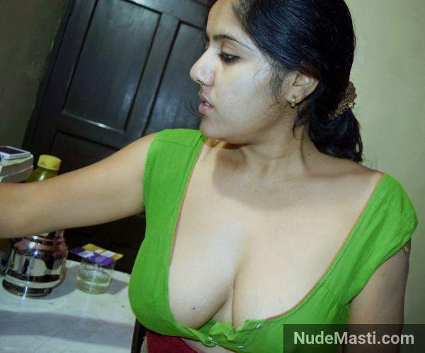 Beautiful Telangana wife big tits in blouse