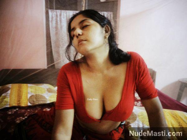 Horny Telangana wife strip tease