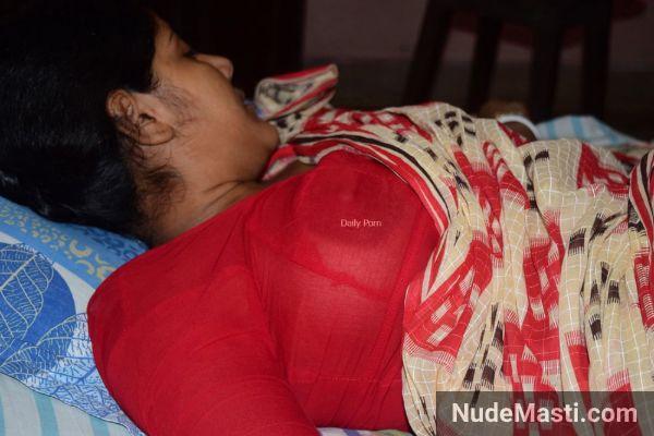 Telangana wife boobs seen through blouse