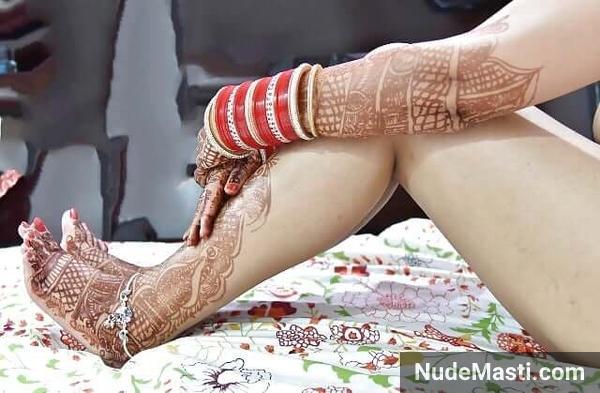 Newlywed mumbai wife sexy nude thighs