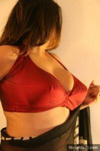 Indian big boobs bhabhi in bra